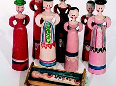 Wooden dolls called Tyrol.jpg